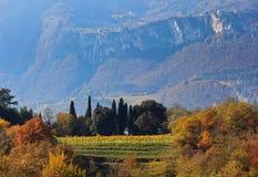 Herbst in den Bergen von Trentino Stockfotografie