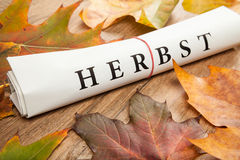 Herbst geschrieben auf Deutsch Lizenzfreies Stockbild