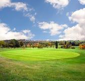 Herbst-Golfplatz Lizenzfreies Stockfoto