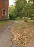 Herbst im alten Yard Lizenzfreie Stockfotos