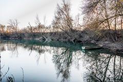 Herbst im Fluss Stockbild
