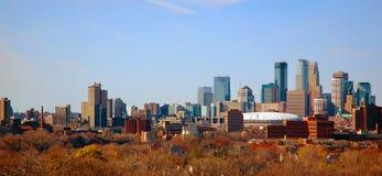 Herbst im Stadtzentrum gelegenes Minneapolis, Mangan stockbild