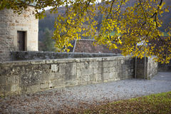 Herbst am Kloster lizenzfreies stockfoto