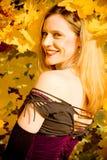 Herbst-Portrait der jungen Frau Stockbilder