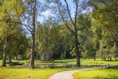 Herbst in Sigulda lettland lizenzfreies stockbild