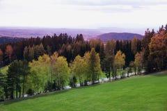 Herbstansicht von Alpenbergen Lizenzfreie Stockfotografie