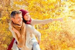 Herbstfallpaare Lizenzfreies Stockbild