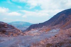 Herbstfarben in den Bergen von Japan Stockfoto