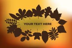 Herbsthintergrund mit Blättern Lizenzfreie Stockfotografie
