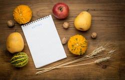 Herbsthintergrund mit Notizbuch, Landwirtschaft Lizenzfreies Stockfoto
