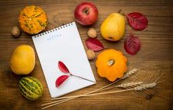 Herbsthintergrund mit Notizbuch, Landwirtschaft Lizenzfreie Stockfotos
