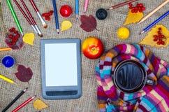 Herbsthintergrundkonzept, Draufsicht Stockbild