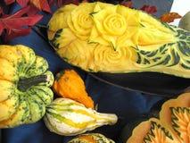 Herbstkürbise, Volkskunst, Skulpturen Stockfotografie