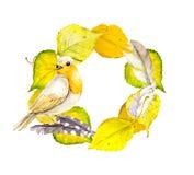 Herbstkranzrahmen mit gelben Blättern, Federn und Vogel Stock Abbildung
