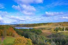 Herbstlandschaft der russischen Natur Stockfoto