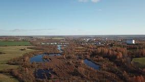 Herbstlandschaftsvogelperspektive stock video