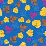 Herbstlaub auf blue-01 Lizenzfreies Stockbild