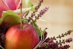 Herbstliche Blumen-Anordnung Stockbilder