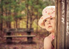 Herbstmädchen im Park Stockfotografie