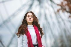 Herbstporträt eines Mädchens Stockbild