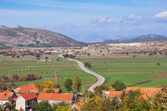 Herbstreise durch die Balkan Straße zu Trebinje-Stadt Schattierte Entlastungskarte mit HauptStadtgebieten Stockfotografie