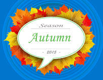 Herbstsaison 2015 auf Blattwolke mit blauem Hintergrund Stockfotografie