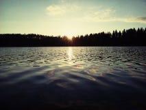 Herbstsee-Sonnenuntergangwolke Finnlands Savonlinna Stockbild