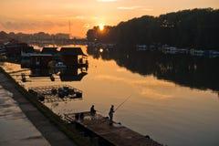 Herbstsonnenuntergang am Ada See in Belgrad Lizenzfreies Stockfoto