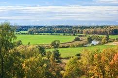 Herbsttag in einer Landseite Stockbild