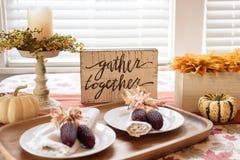 Herbsttischplatte für Danksagung Stockfoto