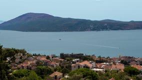 herceg novi του Μαυροβουνίου Λεπτομερής πανοραμικός πυροβολισμός χρόνος πρωινού του Μαυροβουνίου kotor κόλπων Στοκ Φωτογραφίες