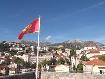 Herceg Novi und der Orijen-Berg am Hintergrund Stockbilder