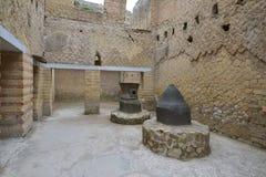 Herculaneum, ITALIË - JUNI 01: Ruïnes van de Herculaneum de oude roman stad, Italië op 01 Juni, 2016 Royalty-vrije Stock Afbeeldingen