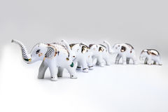 Herde des Elefanten keramisch, Produkt von Thailand. Lizenzfreies Stockfoto