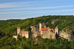 Herdegg Mooi oud kasteel in het aardige platteland van Oostenrijk De nationale Vallei van Parkthaya, Lager Oostenrijk - Europa stock foto's