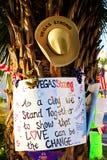 Herdenkingsbericht van Las Vegas die slachtoffers schieten stock foto's