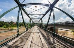 Herdenkingsbrug in paistad, mae de zoon van Hong, Thailand Royalty-vrije Stock Foto's