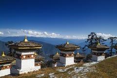 108 herdenkingschortens van Dochula-Pas in Thimphu, Bhutan royalty-vrije stock afbeelding