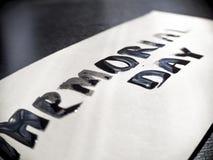 Herdenkingsdagkalligrafie en van letters voorziende prentbriefkaar Uiterst close-up Duidelijke mening Stock Fotografie