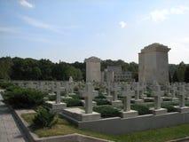Herdenkingskruisen op de graven Royalty-vrije Stock Afbeeldingen