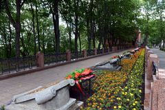 Herdenkingssteeg - de begrafenis van militairen die tijdens de bevrijding van Vitebsk stierven stock afbeeldingen