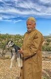 Herder van geiten van het Berber-dorp in zuidelijk Marokko royalty-vrije stock foto