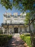 Herenhuis in La 1 van New Orleans weg van St Charles Ave royalty-vrije stock afbeeldingen
