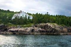 Herenhuis op de kust Maine stock afbeelding
