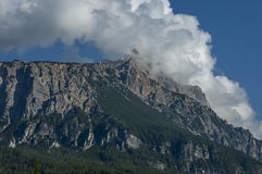 Herfstcorso Italië, de mooie Dolomietbergen dichtbij Cortina D ` Ampezzo, Dolomiet, Alpen, Veneto Stock Foto