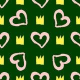 Herhaalde die silhouetten van kronen en overzichten van harten met waterverfborstel worden geschilderd Leuk naadloos patroon stock illustratie