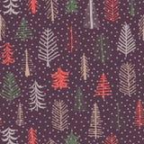 Herhaalt het kerstboom naadloze patroon tegel Groene, bruine, rode krabbelbomen en sneeuwvlokken op purpere achtergrond Het ontwe royalty-vrije illustratie