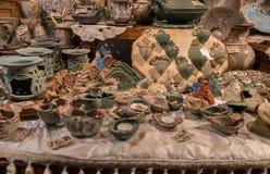 Herinnering ceramisch met bloemendecoratie voor verkoop royalty-vrije stock fotografie