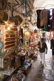 Herinneringen en Mensen in Medina van Tunis, Tunesië stock foto's