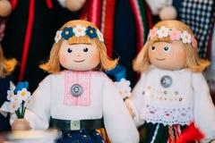 Herinneringen Etnisch Volks Nationaal Houten Doll Speelgoed in Europees Estland royalty-vrije stock fotografie